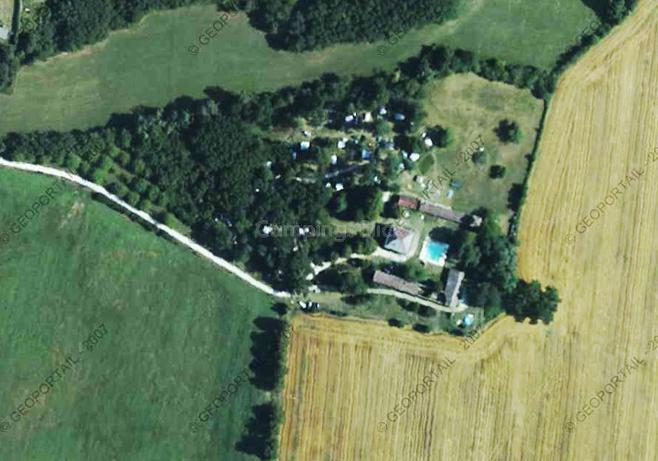 Campsite Naturisme Château Guiton