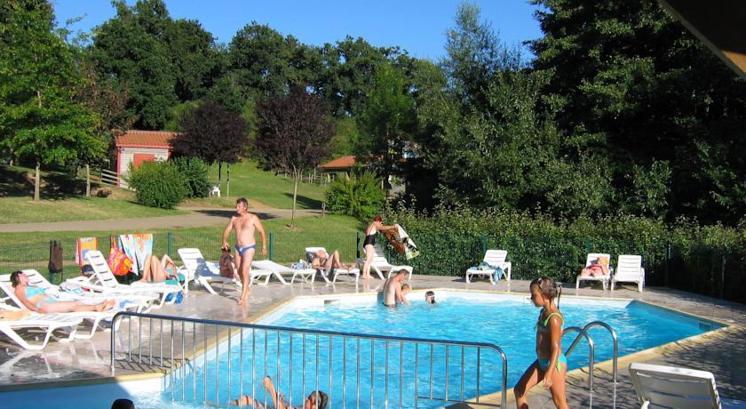 Campsite Municipal Le Hameau Du Petit Lay